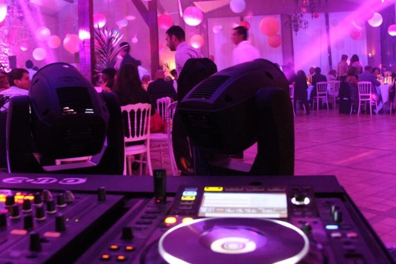 Un DJ pour une animer un mariage