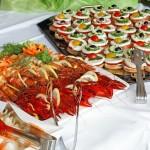 Un buffet ou un repas servi pour la réception de mariage ?